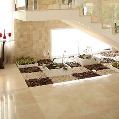 Escalera estructural revestida en marmol crema marfil, piso en marmol crema marfil formato 1.20x1.20 ...