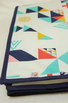 Coral Graphic Geometric Triangle Organic Cotton door Westcoastbaby