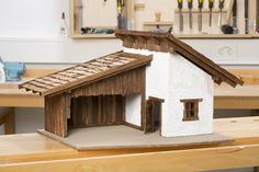 Lomba Grande, Winter Christmas, Christmas Crafts, Swiss House, Nativity Stable, Miniature Cars, Driftwood Art, Wood Toys, Little Houses