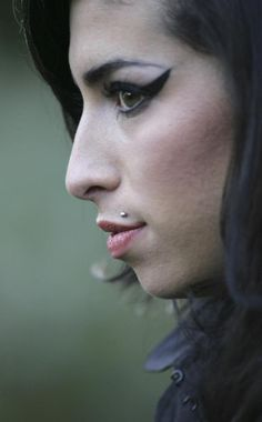 Amy Winehouse. #music #singer #pop #rnb #rip #retropop #musician #amywinehouse http://www.pinterest.com/TheHitman14/amy-winehouse-%2B/