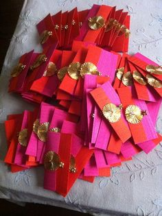 Wedding Gifts Packaging Ideas 32 New Ideas wedding gifts Fancy Envelopes, Handmade Envelopes, Wedding Envelopes, Wedding Invitations, Wedding Favours, Invitation Cards, Wedding Gift Baskets, Diy Gift Baskets, Wedding Gift Wrapping