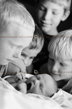 Newborn Siblings, Newborn Sibling Photos, Baby Pictures, Photography Newborns, Newborn With Siblings, Newborn And 3 Siblings, Newborn Pictures With Siblings ...