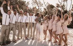 Ideas for a Dreamy Beach Wedding - Love It All Groomsmen Attire Beach Wedding, Groomsmen Outfits, Groom And Groomsmen Attire, Bridesmaids And Groomsmen, Tan Bridesmaid Dresses, Casual Groom Attire, Casual Grooms, Groom Suits, Wedding Dresses