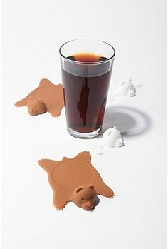 Must have!  We couldn't bear to see ring stains on your furniture, so rest those tired drinks in style with 4 bear rug-inspired coasters. Designed in white and brown silicone for maximum condensation protection.