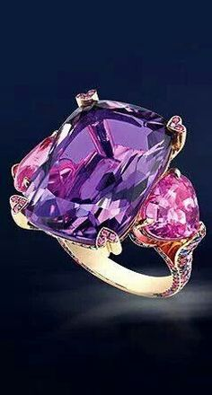 Trendy Diamond Rings : Amethyst and pink sapphire. - Buy Me Diamond Purple Jewelry, Amethyst Jewelry, I Love Jewelry, Jewelry Rings, Jewelery, Fine Jewelry, Jewelry Design, Emerald Earrings, Bling Bling