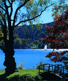 CT Lakes Keep Cool in SUmmer  http://www.examiner.com/article/five-ways-to-keep-cool-litchfield-hills?cid=db_articles