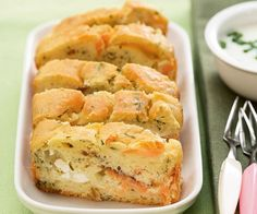 Voici la recette du cake au saumon et à l'aneth, signée par le chef Cyril Lignac. A vos fourneaux.