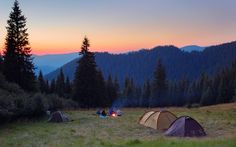 As we head into summer and camping season is in high gear, our writer shares tips on how to pack efficiently for your first camping trip and enjoy the great outdoors! Camping Resort, Camping Glamping, Camping Hacks, Camping Ideas, Outdoor Fun, Outdoor Camping, Outdoor Travel, Camping Outdoors, Outdoor Life
