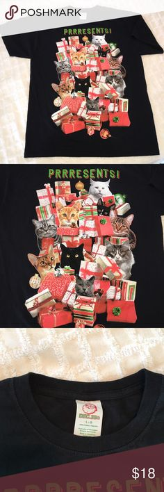 """EUC Funny Christmas Cat T-Shirt! 🌲 🎅🏻 You better not pout I'm telling you why! 21"""" across chest, 29 1/2"""" length. Shirts Tees - Short Sleeve"""