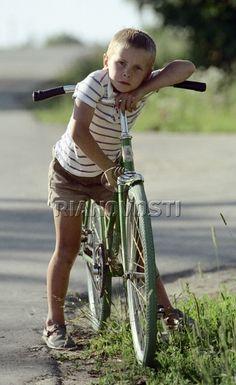 Мальчик с велосипедом Bicycle, Hipster, Style, Swag, Bike, Bicycle Kick, Stylus, Trial Bike, Hipsters