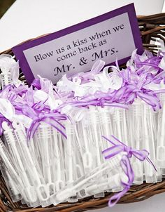 Seifenblasen pro nachher jener Trauung The post 33 Awesome Wedding Favors for Your Guests appeared first on DIY Projekte. Perfect Wedding, Dream Wedding, Wedding Day, Dream Party, Wedding 2015, Wedding Bride, Wedding Events, Wedding Stuff, Wedding Tips