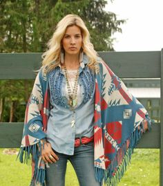 Look at this Tasha Polizzi Multi Blue & Red Geo Heritage Shawl - Women on today! Moda Cowgirl, Cowgirl Chic, Western Chic, Cowgirl Style, Cowgirl Fashion, Cowgirl Boots, Country Girl Style, Country Girls, My Style