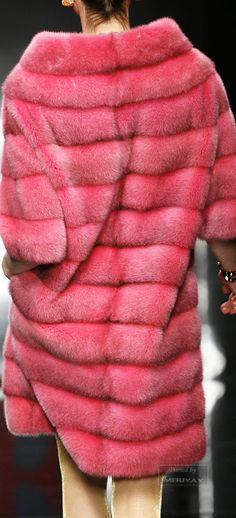 Of course this is faux, and this color is incredible! Animal Fur, Fabulous Furs, White Fur, Mink Fur, Fur Fashion, Fox Fur, Winter Wear, Fur Jacket, Shades Of Blue