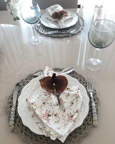 Crochet Mat, Table Settings, Grey, Grey Desk, Desk Inspiration, Crochet Decoration, Decorative Items, Crochet Table Runner, Crochet Flowers