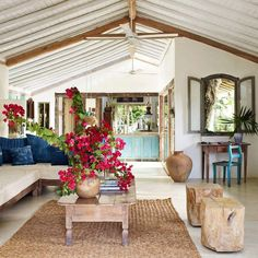 We are loving Anderson Cooper 's Brasil vacation home. It's tropical & rustic all in one. #houstoninteriordesigner #houstoninteriordesign #houstondecorator #hireadesigner #highendinteriors