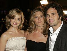 Jennifer Aniston, Mena Suvari and Mark Ruffalo at event of Dicen por ahí... (2005)