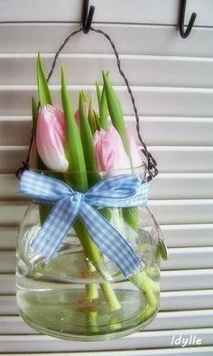 .Simple Spring Tulips Decor.            t