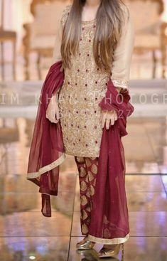For Price & Queries Please DM us or you can Message/WhatsApp 📲 We provide Worldwide shipping🌍 ✅Inbox to place order📩 ✅stitching available🧣👗🧥 &shipping worldwide. 📦Dm to place order 📥📩stitching available SHIPPING WORLDWIDE 📦🌏🛫👗💃🏻😍 . Beautiful Pakistani Dresses, Pakistani Formal Dresses, Pakistani Dress Design, Pakistani Mehndi Dress, Pakistani Clothing, Fancy Dress Design, Bridal Dress Design, Stylish Dress Designs, Pakistani Fashion Party Wear