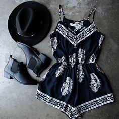 Boho Chic Style Interior next Boho Chic Style Male concerning Does Fashion Nova Clothes Run Small against Clothes Fashion Background Cute Fashion, Boho Fashion, Fashion Outfits, Fashion Tips, Fashion Design, Dress Fashion, Fashion Clothes, Style Fashion, Fashion Background