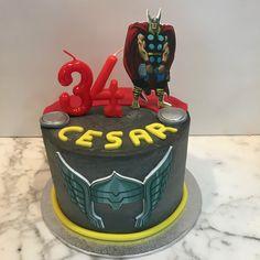 Tarta buttercream Thor. Thor, Birthday Cake, Desserts, One Year Birthday, Pies, Sweets, Tailgate Desserts, Deserts, Birthday Cakes