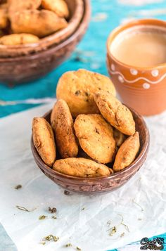 Crispy Methi Mathri are the perfect chai time snack! These are deep fried savory snack discs from India!