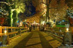 Die Schloss-Weihnacht auf dem romantischen Schloss Amerang zählt zu den außergewöhnlichsten Weihnachtsmärkten im Chiemsee-Alpenland.