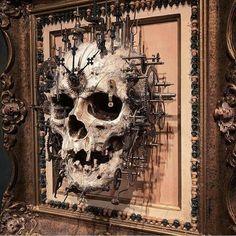 Have a very steampunk Halloween Gothic Home Decor, Gothic Art, Skull Decor, Skull Art, Arte Obscura, Creepy Art, Skull And Bones, Dark Art, Metal Art