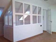 Cerramiento de Buhardilla Lacada Blanca Attic Rooms, Attic Spaces, Attic Inspiration, Tiny House Stairs, Window Benches, Apartment Projects, Loft Room, Attic Conversion, Bonus Rooms