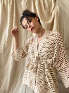 Gilet Crochet, Cotton Crochet, Hand Crochet, Knit Crochet, Kimono Pattern, Crochet Cardigan Pattern, Crochet Stitches Chart, Diy Fashion Projects, Cotton Kimono