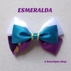 esmeralda hair bow