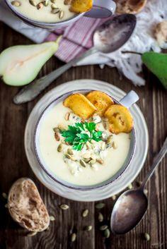 Zupa krem z pietruszki i gruszki z pietruszkowymi chipsami