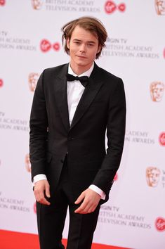 Charlie Heaton Photos - Charlie Heaton attends the Virgin TV BAFTA Television Awards at The Royal Festival Hall on May 2017 in London, England. Stranger Things Jonathan, Stranger Things Netflix, Netflix Supernatural, Charlie Heaton, Jonathan Byers, Festival Hall, Perfect Boy, Celebs, Celebrities