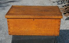 ANTIQUE WOODEN DOVETAILED TOOL BOX or BLANKET CHEST * mid 1870's