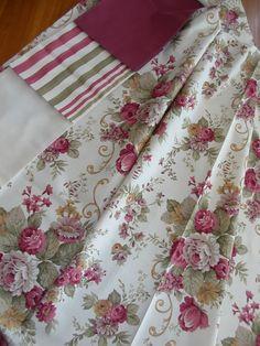 Natúr hatású sötétítő függöny. Egyszínű anyag szélessége 300 cm, csíkos és rózsa mintás anyag szélessége 280 cm Floral Tie, Bedrooms, Quilts, Blanket, Ikat Bedding, Living Room, Bedroom, Quilt Sets, Blankets