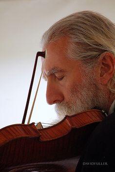 Violinist, Wedding at Sheepnose Farm / David Fuller Photo