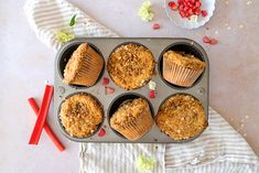 Celebrate Spring With These Sweet Rhubarb and Sour Cream Streusel Muffins Quinoa Chocolate Cake, Food Network Recipes, Cooking Recipes, Cooking Ideas, Sour Cream Muffins, Lime Pie, Breakfast Muffins, Muffin Cups, Quick Bread
