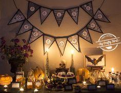 Decoración y recetas para preparar una mesa dulce temática de Halloween Our Planet, Halloween, Trees To Plant, Tapestry, Plants, Projects, Home Decor, Candy Stations, Candy Buffet