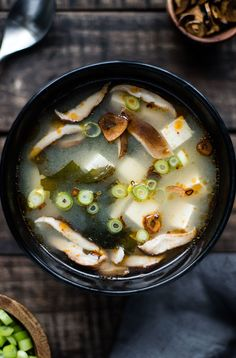 Vegan Dinner Miso Soup Vegan Recipes, Snack Recipes, Cooking Recipes, Whole 30 Snacks, Light Soups, Miso Soup, Food Dishes, Main Dishes, Kid Friendly Meals