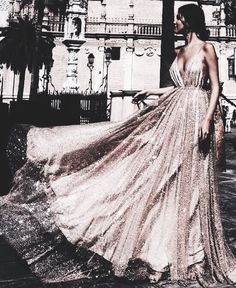 Shared by Letizia Frascone. Find images and videos about fashion, style and dress on We Heart It - the app to get lost in what you love. Evening Dresses, Prom Dresses, Formal Dresses, Wedding Dresses, Stylish Clothes For Women, Look Thinner, Mademoiselle, Glitz And Glam, Dream Dress