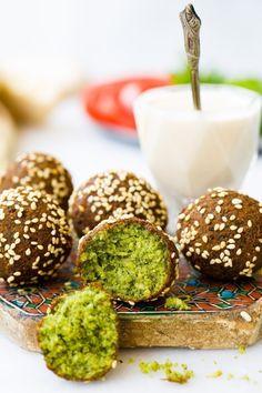 Falafel slik du får dem i Midtøsten Arabic Food, Falafel, Tahini, Good Mood, Caramel Apples, Middle East, Istanbul, Canning, Desserts