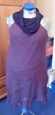 Refashion: Tunika mit Loopkragen. Entstanden aus einem Maxirock und dem Unterteil eines T-Shirts, als Refashion