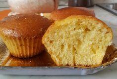 I muffin 7 vasetti sono un'ottimo dolce per la colazione. Si chiamano così perché si usa il vasetto di yogurt come unità di misura per la preparazione.