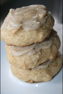 Soft Brown Sugar Cookies - melt in your mouth delicious and the frosting. :) Soft Brown Sugar Cookies - melt in your mouth delicious and the frosting. Köstliche Desserts, Delicious Desserts, Dessert Recipes, Yummy Food, Tasty, Dessert Healthy, Cookbook Recipes, Recipes Dinner, Think Food