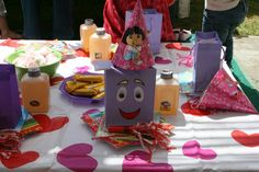 Dora the Explorer party table - Lulu 3rd birthday