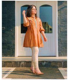 Beautiful Pakistani Dresses, Pakistani Formal Dresses, Pakistani Dress Design, Pakistani Outfits, Pakistani Casual Wear, Pakistani Bridal, Indian Outfits, Pakistani Fashion Party Wear, Indian Fashion Dresses