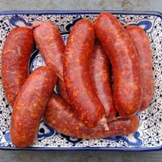A Mexican chorizo recipe using pork, wild or store-bought. Mexican chorizo is a soft sausage, flavored with chiles, annatto and garlic. Sausage Meat Recipes, Salami Recipes, Homemade Sausage Recipes, Chorizo Recipes, Jerky Recipes, Venison Recipes, Goan Recipes, Chorizo Sausage, Homemade Breads