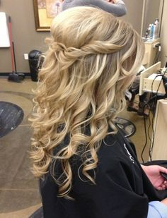 Prom Hairstyles for Long Hair: Cute Simple Hairstyle http://www.jexshop.com/