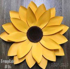 Exceptional mason jar detail are offered on our internet site. Read more and you wont be sorry you did. Paper Sunflowers, Paper Flowers Diy, Origami Flowers, How To Make Sunflower, Sunflower Crafts, Crafts For Teens To Make, Diy And Crafts, Easy Crafts, Sunflower Party Themes