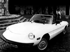 Alfa Romeo 2000 Spider Veloce (1975 – 1983).