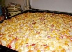 Smotanová pizza s cesnakom Quiche Muffins, Meat Recipes, Cooking Recipes, Flatbread Pizza, Hungarian Recipes, Hawaiian Pizza, Food Hacks, Food To Make, Macaroni And Cheese